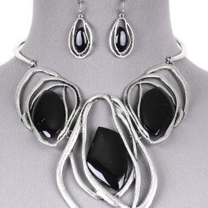 Black three stone silver tone necklace set